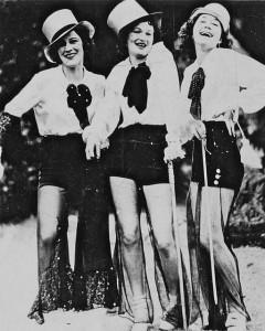 Three_ladies_n_Broadway_2